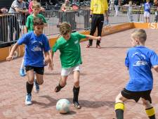 Borne wil mensen binden met meer buurtsportcoaches