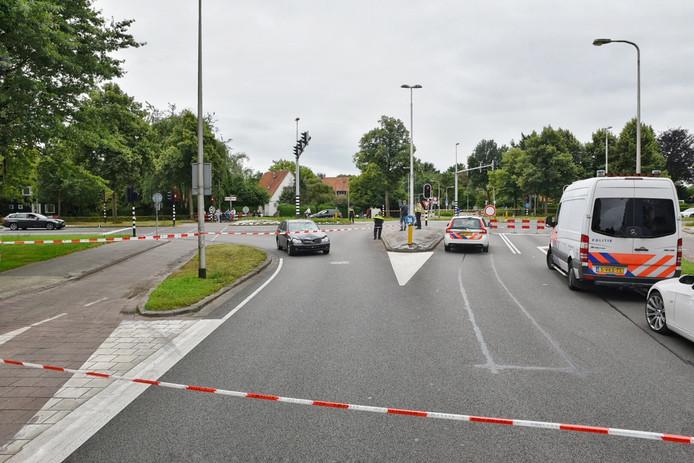 De auto die betrokken was bij het ongeluk is zondagmiddag ook bij de reconstructie.