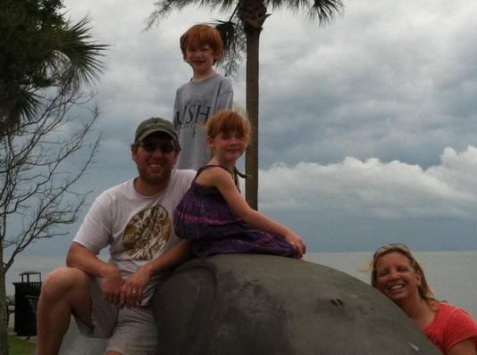 Een foto van het gezin Luepker.