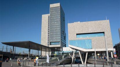 Twee medewerkers Vlaams Administratief Centrum in Gent naar ziekenhuis na openen enveloppe met wit poeder