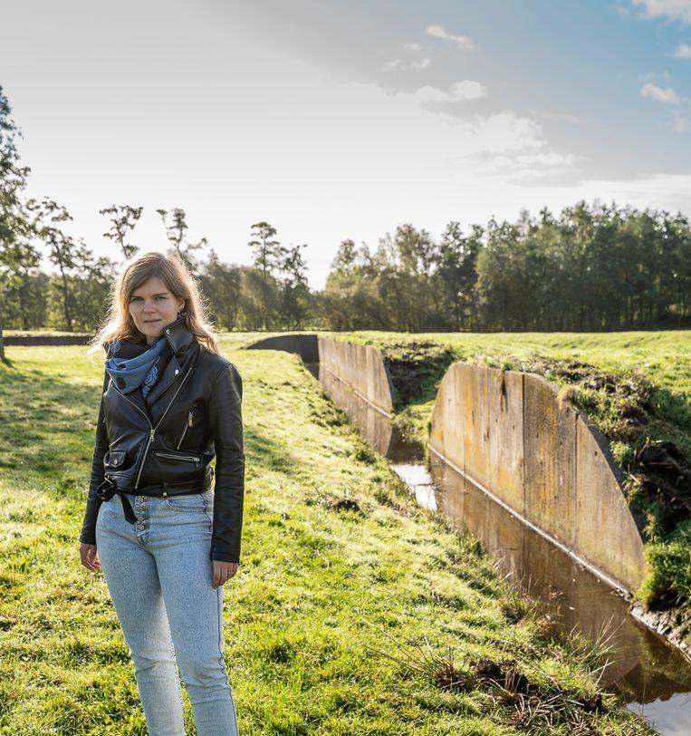 Diana Spiekhout bij de Waterburcht in Eelde. Beeld Harry Cock  / de Volkskrant