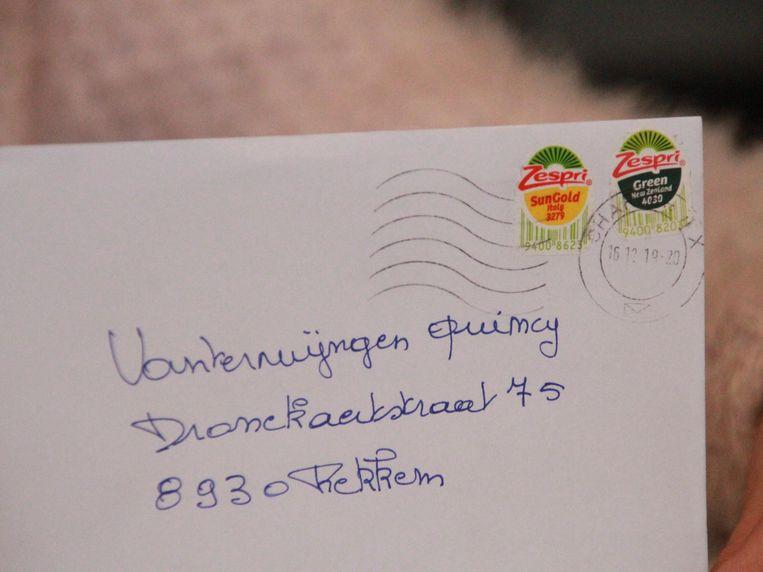 De brief met Zespristickers als postzegels.