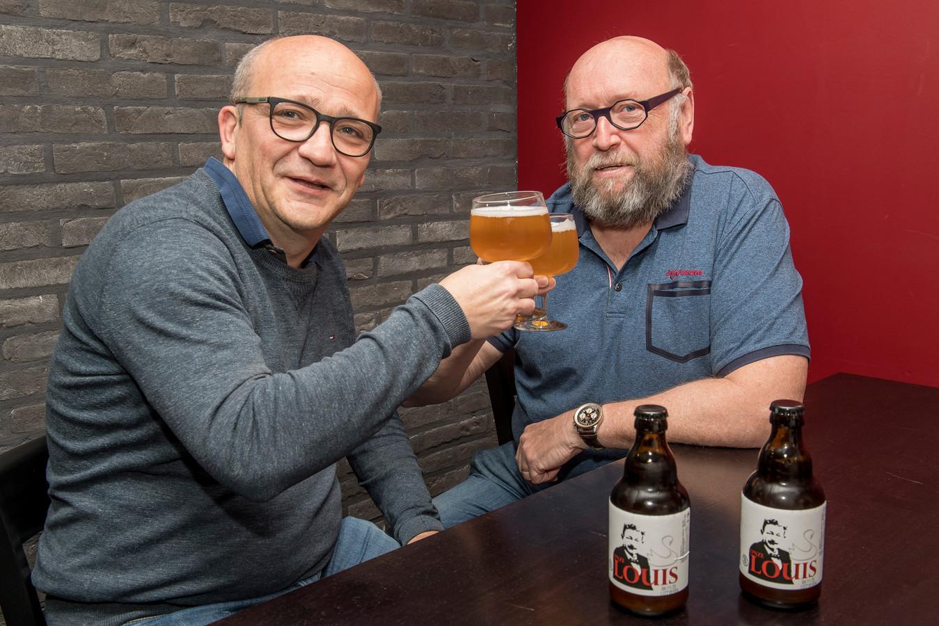 Bert Soete en Rik Vanblaere van Zwaan 9 met hun 'Onze Louis'.