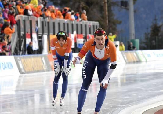 Kramer klopt Roest overtuigend op de 1500 meter.