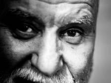 Kickboksscheids Joop Ubeda (71) uit de Wolfskuil: 'Rauwe volkswijk werd bakfietsenpest'