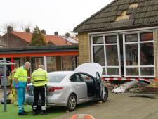 Leerlingen ondervinden geen hinder na auto-ongeluk bij basisschool in Hasselt