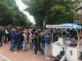 Kilometerslange rijen met EU-kiezers die willen stemmen bij Haagse ambassades