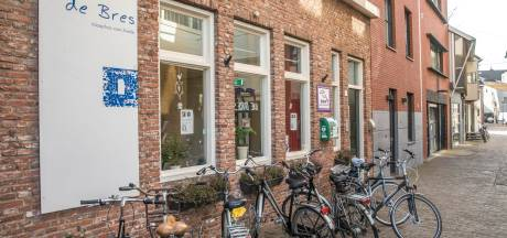 Gemeente Zwolle belooft inloophuis De Bres te redden