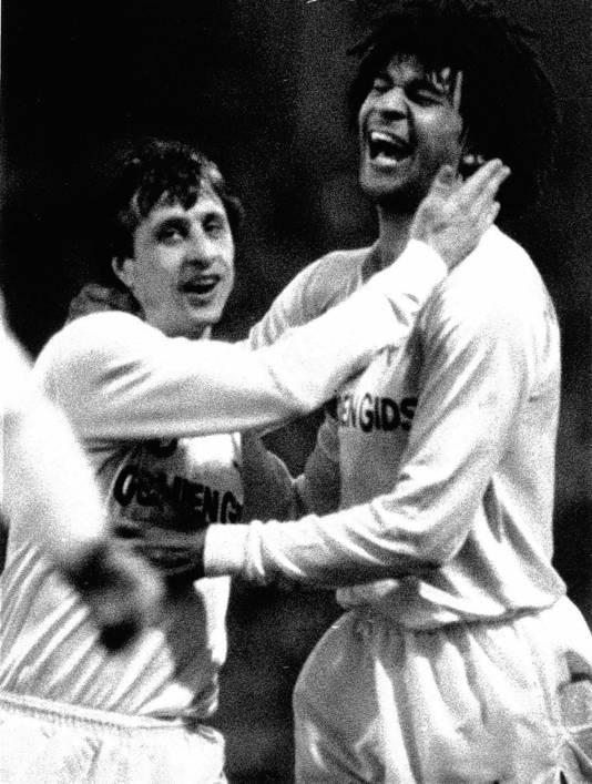Johan Cruijff en Ruud Gullit in dienst van Feyenoord (1984).