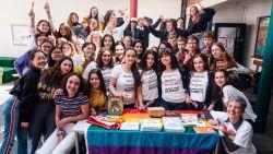 """Moslimmeisjes vieren Internationale Dag tegen Homo- en Transfobie: """"Een goede moslim heeft respect voor iederéén"""""""