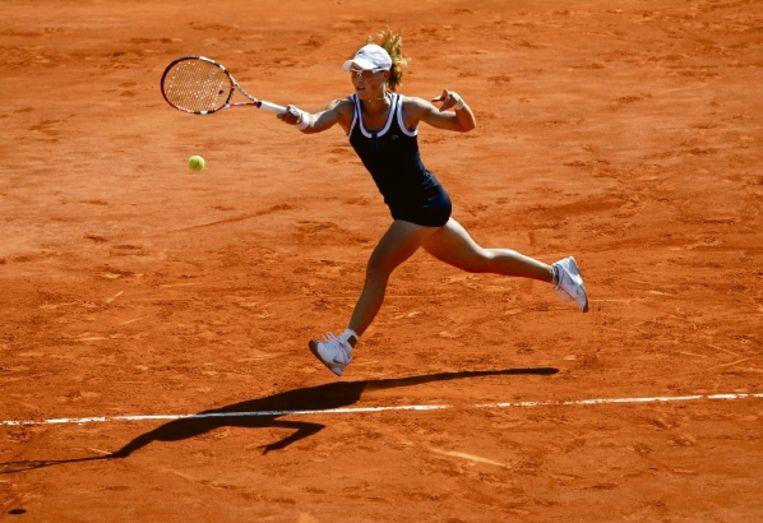 De Australische Samantha Stosur in actie in haar gewonnen halvefinalepartij tegen Jelena Jankovic. (FOTO AP ) Beeld AP