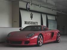 Dure supersportwagens staan al acht jaar te verpieteren bij verlaten spookdealer