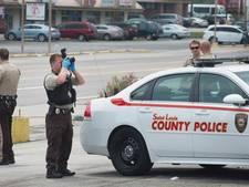 Blanke agent ziet zwarte collega voor crimineel aan en schiet