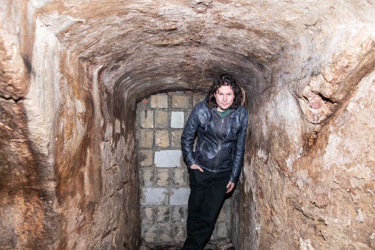 De gang onder de kelder van De Pannenkoekenbakkerij is dichtgemetseld.