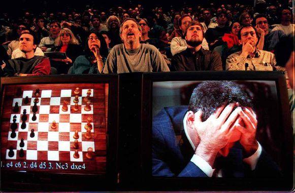 Revolutie in 1997. Wereldkampioen Gary Kasparov verliest van computer Deep Blue.