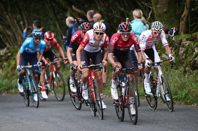 Op weg naar Kendal gisteren in de Ronde van Groot-Brittannië: Pavel Sivakov op kop, Tiesj Benoot (l) en Mathieu Van Der Poel (r).