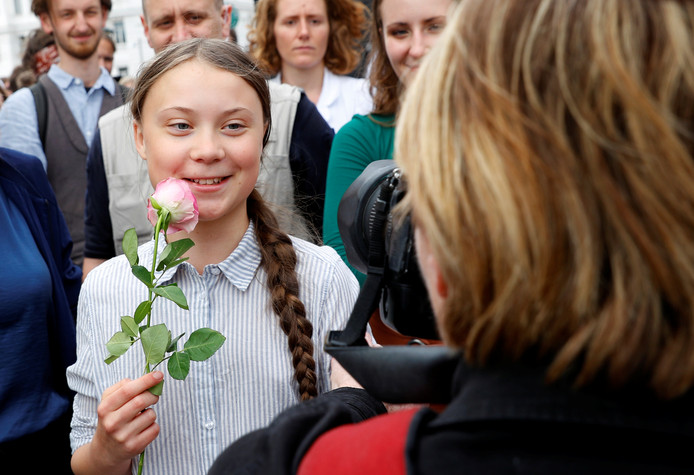 Greta Thunberg woont een schoolstaking in Wenen bij.