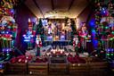 Kerstshow bij tuincentrum Leurs in Venlo. Dit jaar zijn notenkrakers een trend.