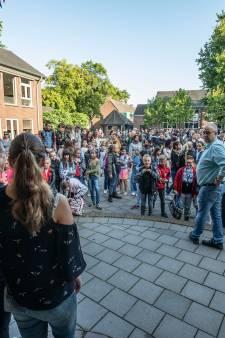 Leerkrachten Silvester-Bernadette in Helmond hebben de zomer nog in hun bol