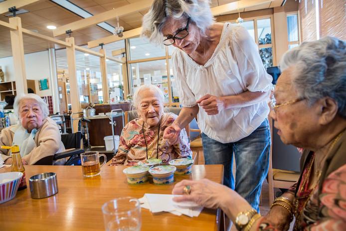 De Amersfoortse partijen zien in verpleeghuis Raffy in Breda, speciaal voor ouderen met een Indische of Molukse achtergrond, een voorbeeld.