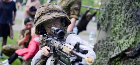 Militaire invasie overspoelt Bergen op Zoom