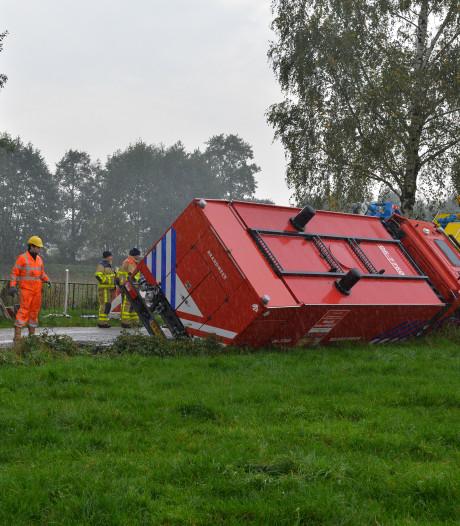 'Stuurfoutje' lijkt oorzaak van ongeluk waarbij brandweerwagen in greppel eindigde bij Emst