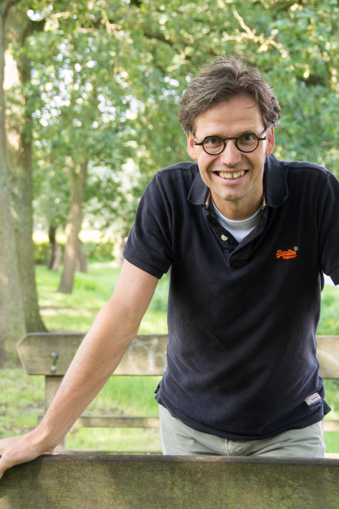 Leerkracht Paul Smidt wil de kinderen overtuigen van hun mogelijkheden om de wereld te verbeteren door de juiste keuzes te maken en samen te werken.