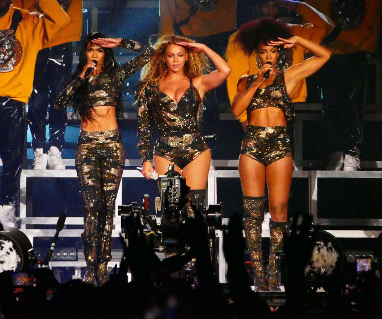 Destiny's Child reunite for Beyonce's first ever Coachella show as the fans went wild for them as they salute the 100k plus crowd in Cali. Beyonce showed off her wild hair and fashion and made faces while on stage as well as high in the sky on a cherry picker.<P>Pictured: Destiny's Child, Beyonce<B>Ref: SPL1682860 150418 </B><BR/>Picture by: Aced1500 / Splash News<BR/></P><P><B> </B><BR/>Los Angeles:	310-821-2666<BR/>New York:	212-619-2666<BR/>London:	870-934-2666<BR/> <BR/></P> *** local caption *** World Rights