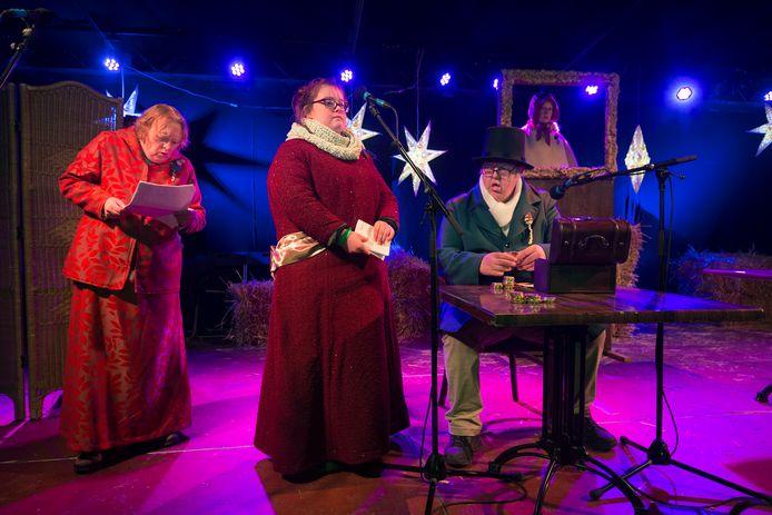 De cliënten van Siza en Zozijn spelen Scrooge.