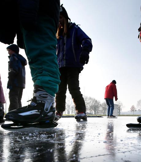 IJsbaan op korfbalveld pas dinsdag open in Wijk