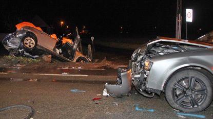 Automobilist (80) zwaargewond na botsing en duik in gracht