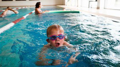 Lievegem deelt gratis zwembeurten uit aan kinderen die leren zwemmen