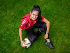 Kain (17) is de benjamin bij SC 't Zand: 'Andere meiden voelen zich oud'