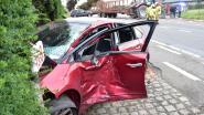 Tractor raakt wagen in Turkse trouwstoet: zes gewonden, onder wie drie kinderen