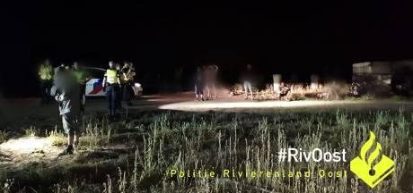 Politie beëindigt illegaal feest met enorme geluidsinstallatie in Pannerden