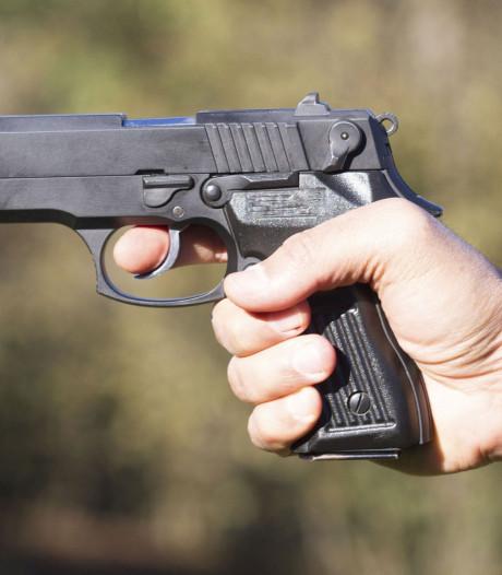 Man (31) bedreigt voetganger met vuurwapen vanuit rijdende auto in Odiliapeel
