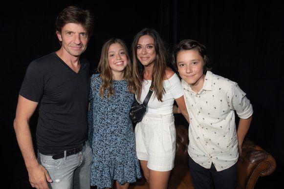 Koen Wauters en Valerie De Booser met hun kinderen zoon dochter Nono en Zita vorig jaar.