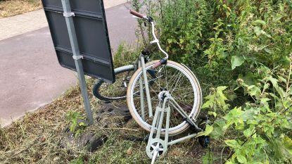 Chauffeur (78) maait vrouw van fiets: slachtoffer zwaargewond afgevoerd