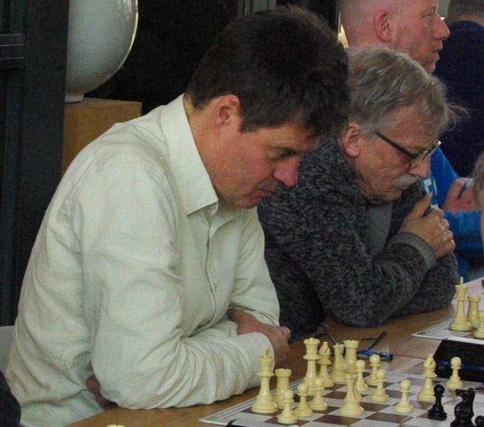 Links Willy Hendriks, rechts Jaap Vogel.