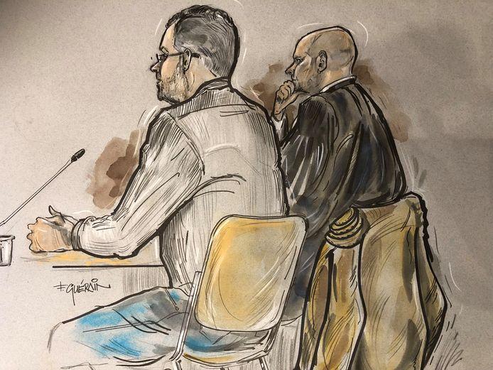 Rechtbankschets van de 46-jarige verdachte en zijn advocaat.