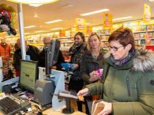 'Wolluks' winkelend publiek loopt warm voor Kerst in Waalwijk