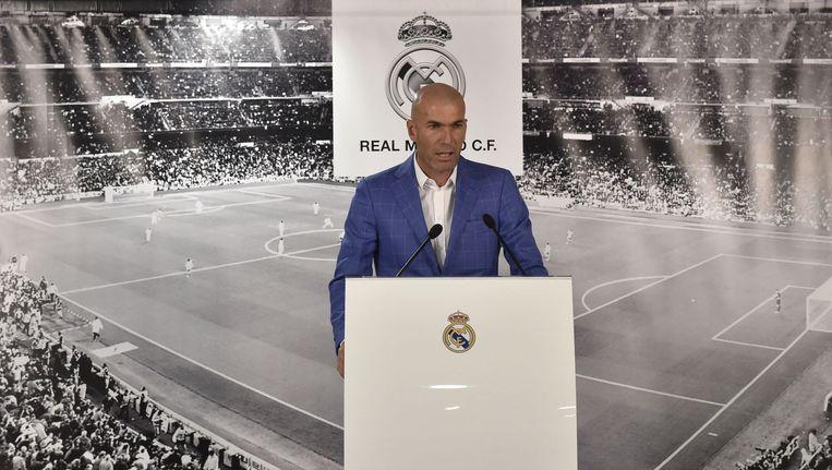 Zinedine Zidane tijdens zijn presentatie. Hij is sinds gisteren hoofdtrainer van Real Madrid. Beeld anp