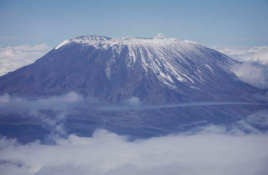 Archieffoto van de Kilimanjaro, hét symbool van Tanzania.