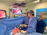 Chirurgen werken op afstand samen tijdens operaties in Ikazia met speciale software
