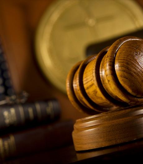 Zevenbergse onthutst: acht jaar na aangifte wéér uitstel zaak mishandelingen