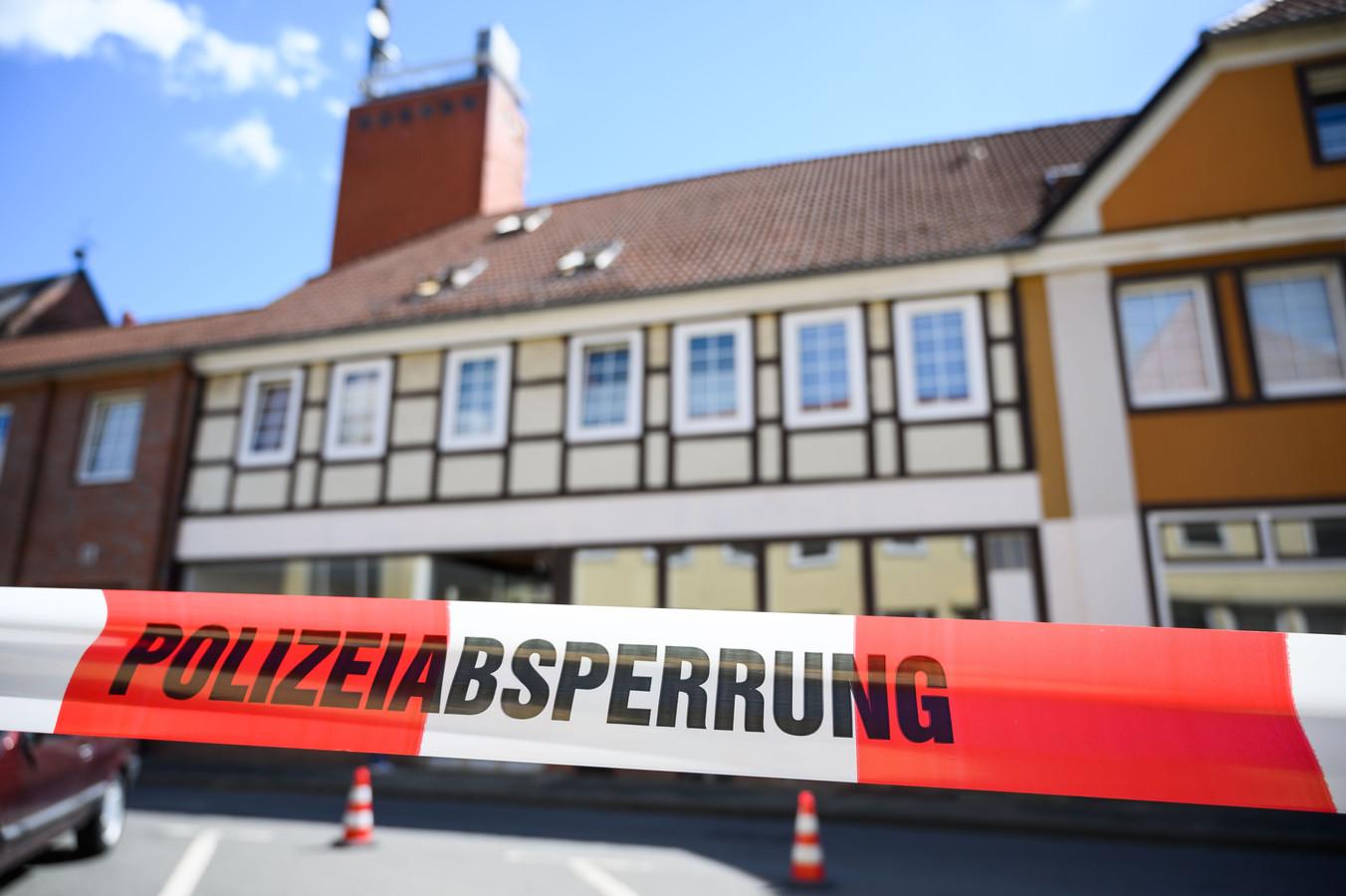 Het huis in Wittingen, waar gisteren nog eens twee lichamen werden ontdekt.