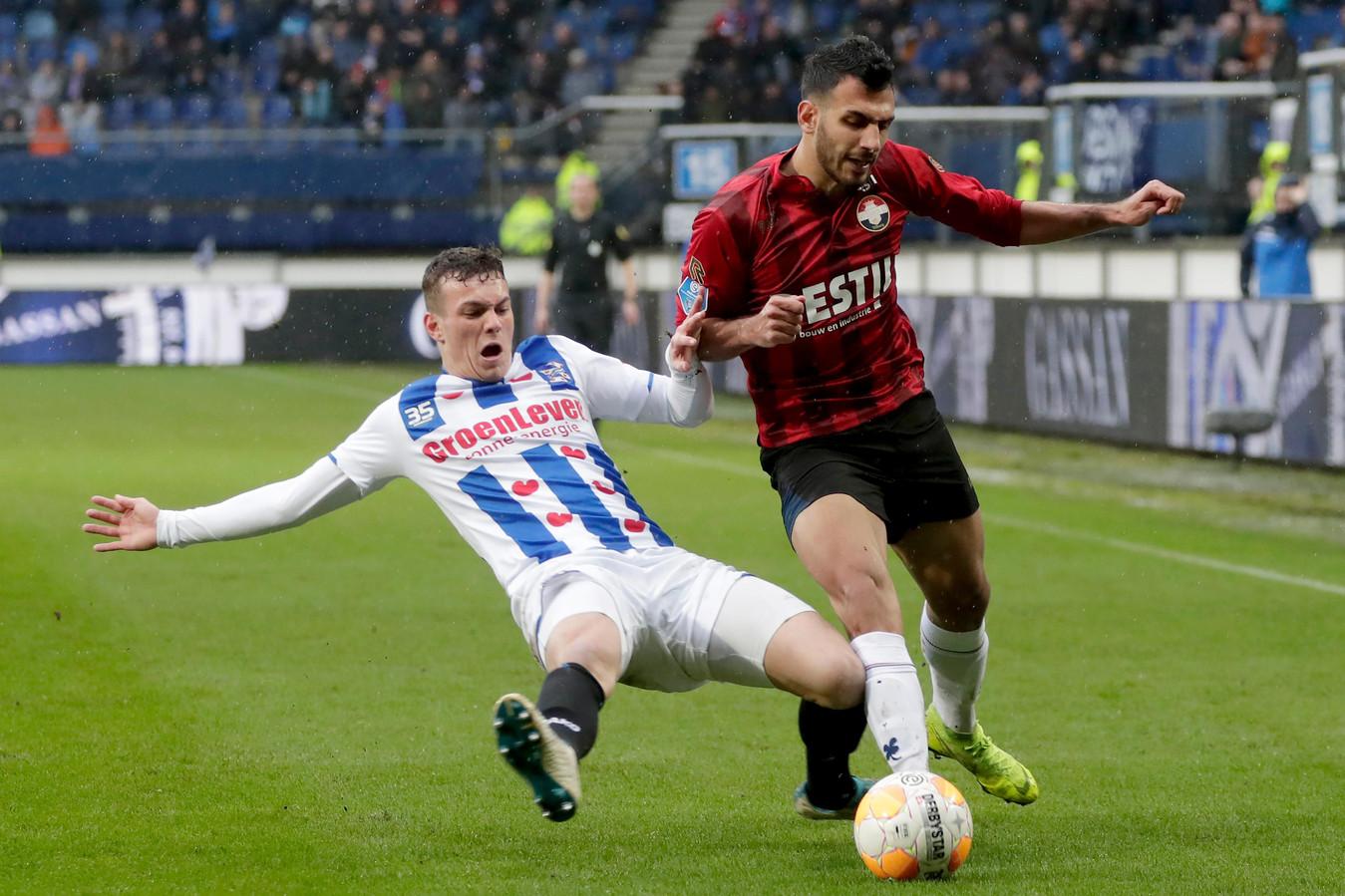 Jizz Hornkamp kreeg bij Heerenveen vooral een kans als rechtsback.