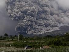 Paniek na hevige uitbarsting vulkaan Sinabung