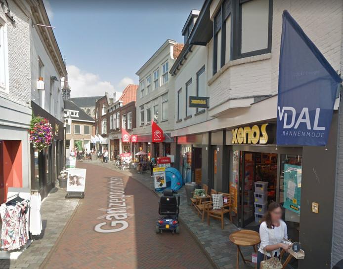 In tegenstelling tot Middelburg en Terneuzen, blijft de Xenos in Goes gewoon bestaan. Net als in Hulst in Zierikzee is de winkel omgebouwd tot 'de nieuwe wereld van Xenos'.