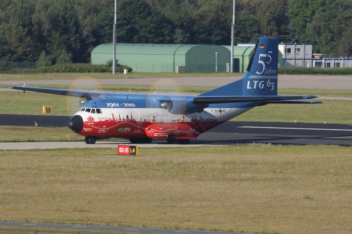 Duitse C-160 geland op vliegbasis Eindhoven.